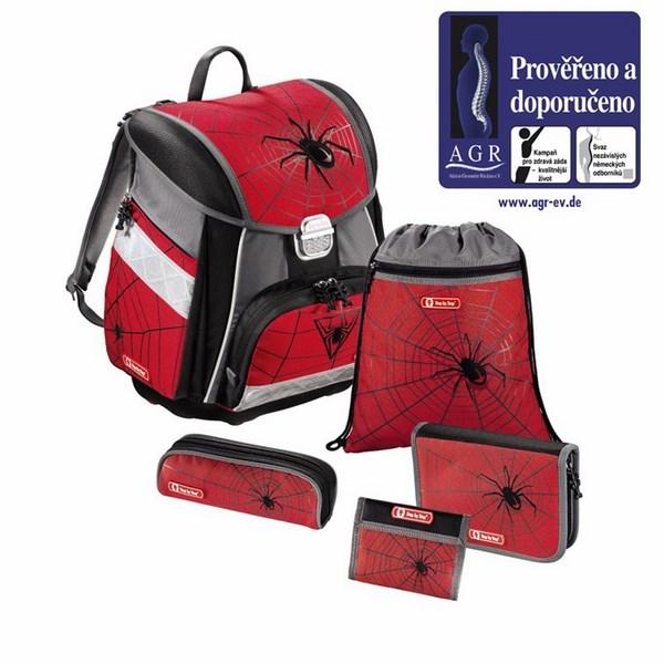 Červeno-šedou aktovkou s motivem pavouka uděláte vašemu školákovi jistě  radost. 5-dílný set obsahuje  aktovku d83482a6f5